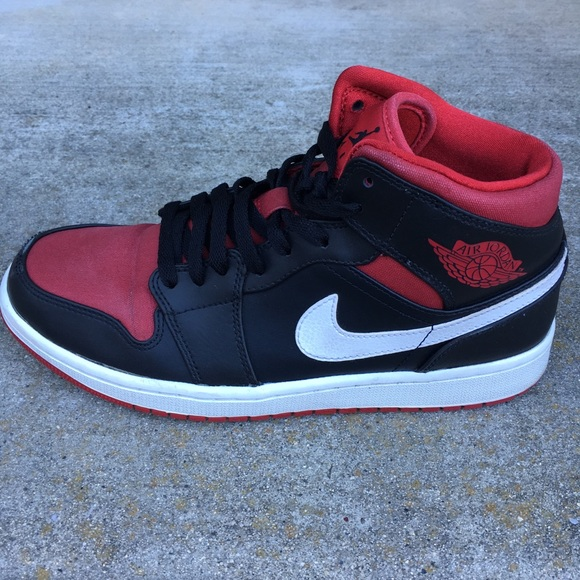 brand new 708b1 48d3f Nike Air Jordan Mid Bred 2014 Gym Hi Top Shoe. M 5a92d86d3b16085b0a95319a